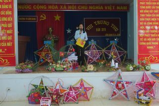 "<a href=""/hoat-dong"" title=""Hoạt động"" rel=""dofollow"">Tin Slideshow</a>"
